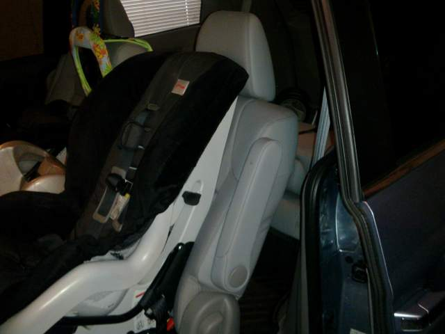 2 child seat configuration...-2011_odyssey_2nd_row_britax.jpg