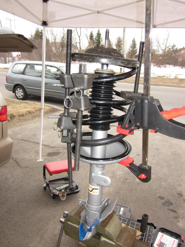 SB105 KYB Shock and Strut Boot Front or Rear Driver Passenger Side New for Olds
