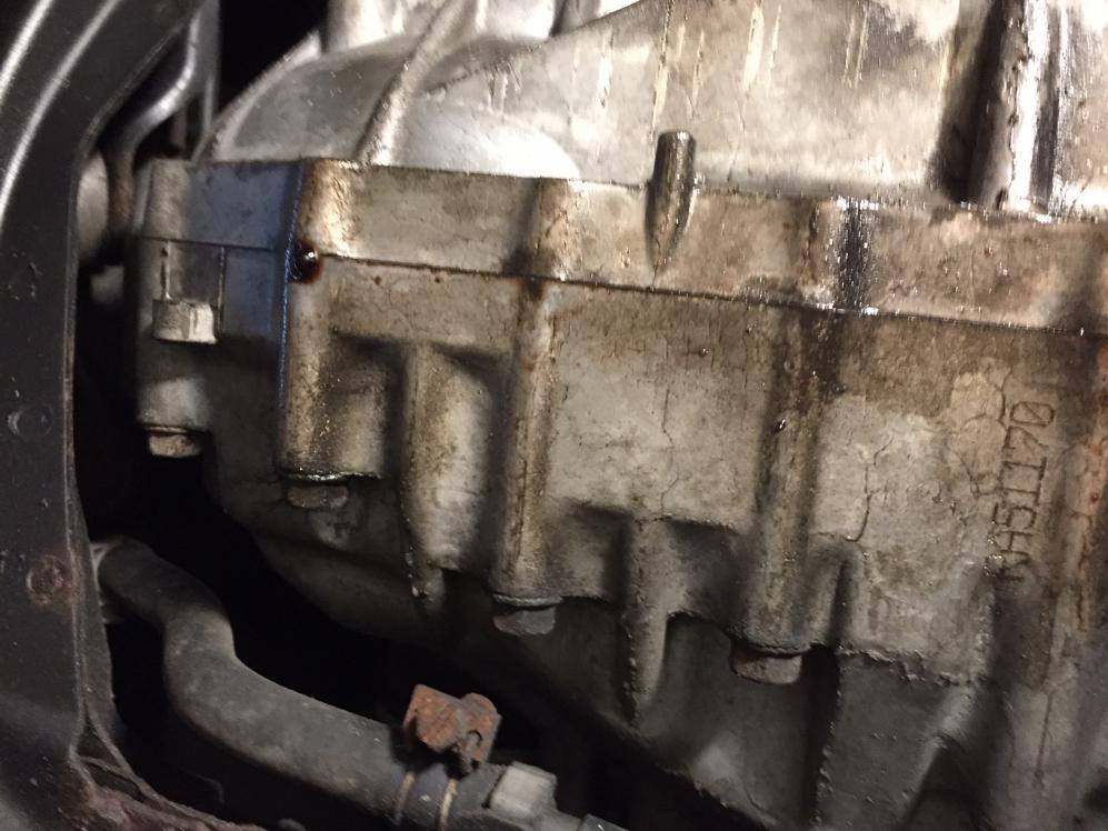2001 nissan pathfinder engine oil leak