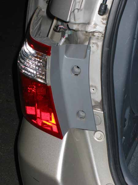 2005 Sliding Door Roller Replacement-img_7765.jpg