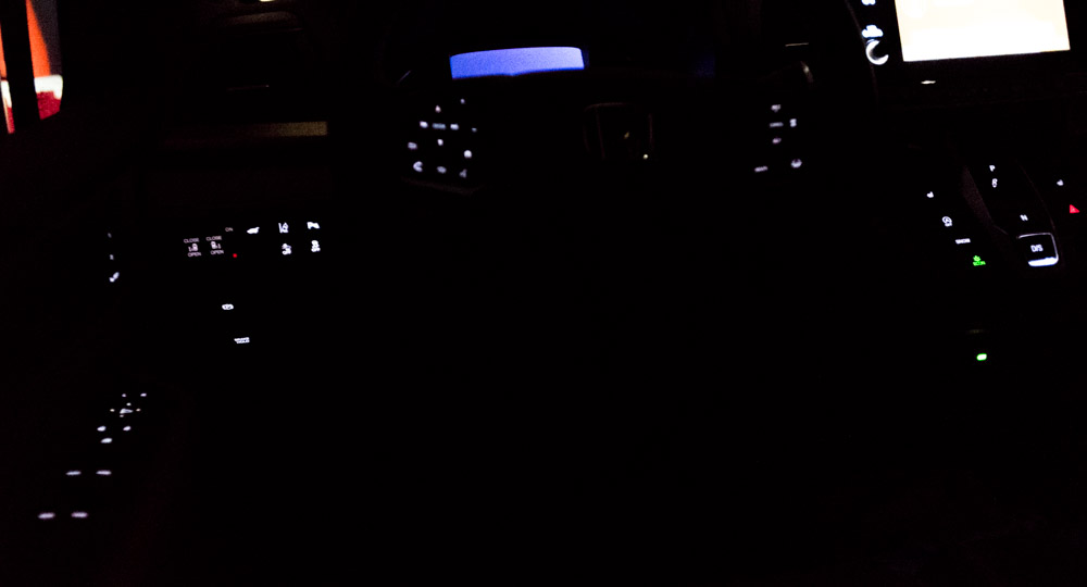 Panel and Button Lighting when Using Headlights-touring2018dash.jpg